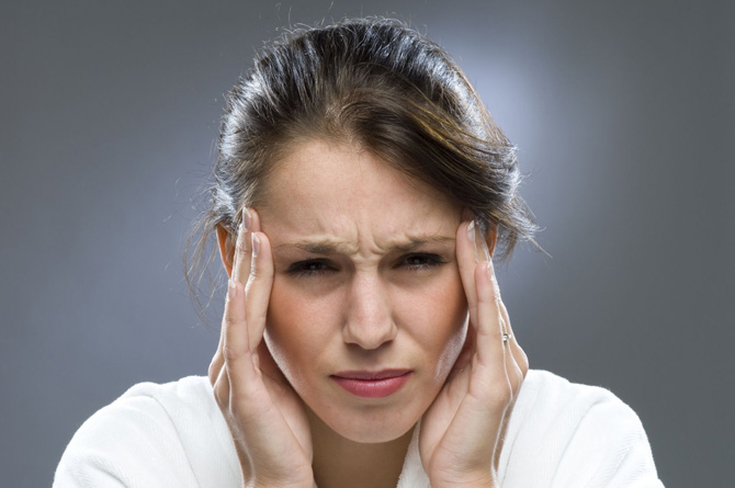 Задержка месячных 2 недели тест отрицательный болит поясница