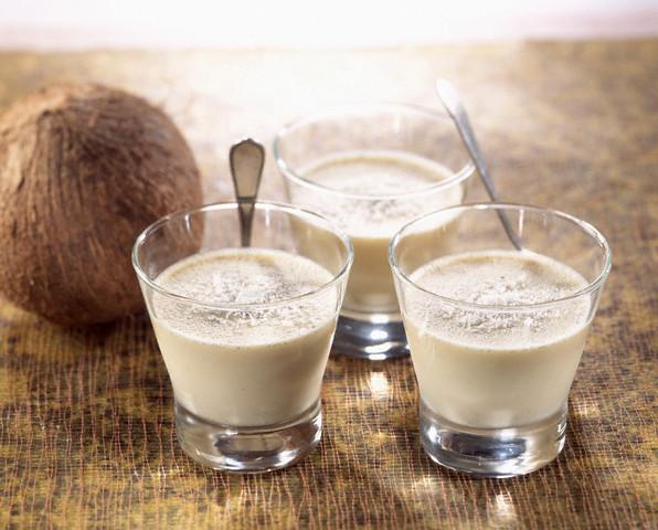 Как расколоть кокосовый орех и приготовить из него кокосовое молоко, масло и кокосовую стружку