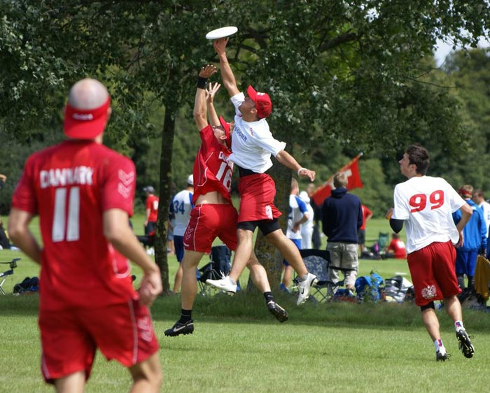 the history of the sport of frisbee